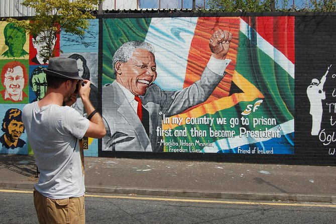 Exclusive luxury Mercedes chauffeur political mural tour of Belfast