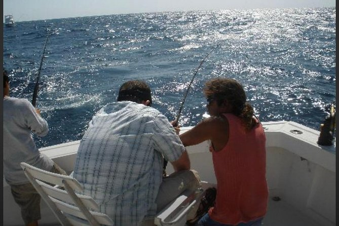 Cancun fishing charter if you don't fish you don't pay Bertram 31ft 6 pax 25P5