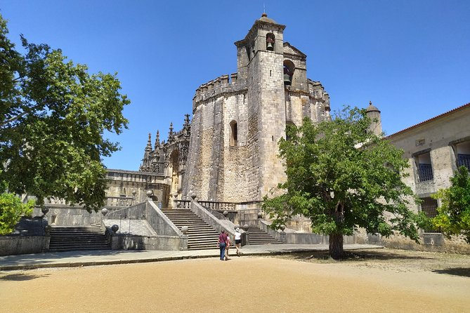 "Convent of Christ Tour ""Portugal in the Map"" - Visit Tomar with a local guide!"