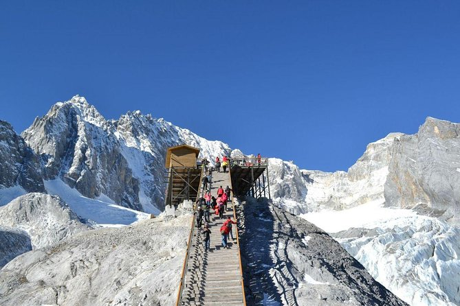 Lijiang Private Tour to Jade Dragon Snow Mountain, Baisha and Longquan Village