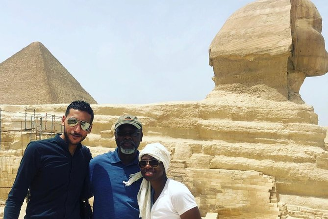 Giza Pyramids and Sphinx & Egyptian Museum day tour with lunch & Transfer