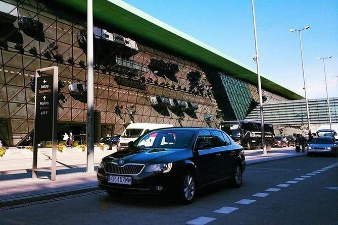 Private transfer: Rzeszów Airport to city center