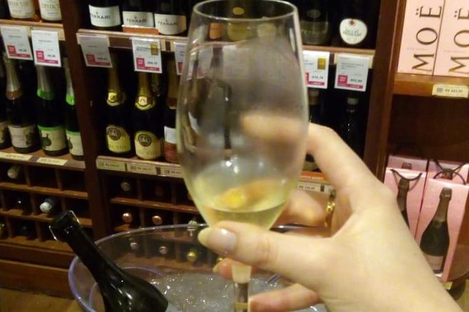 Deguste vinhos Regionais na Rua da fama