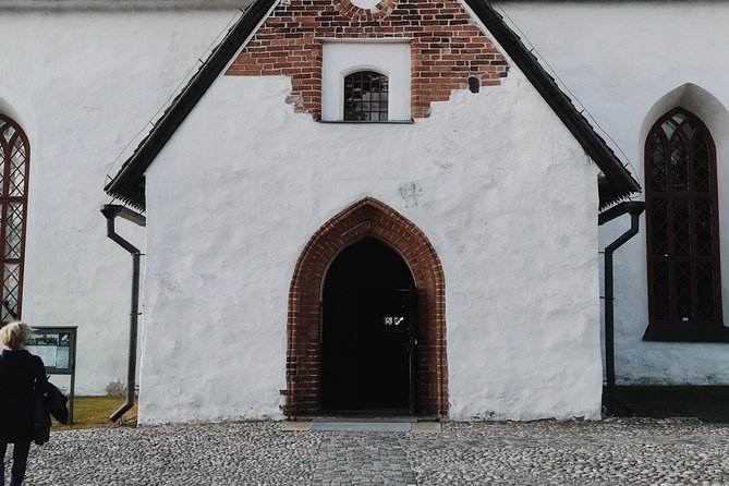Porvoo Old Town Walking Tour photo 2