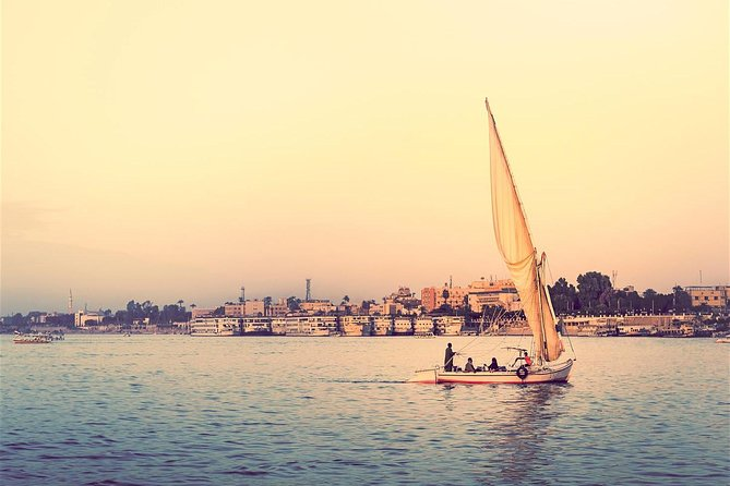 Short Layover Felucca Ride on The Nile River and Dinner Cruise