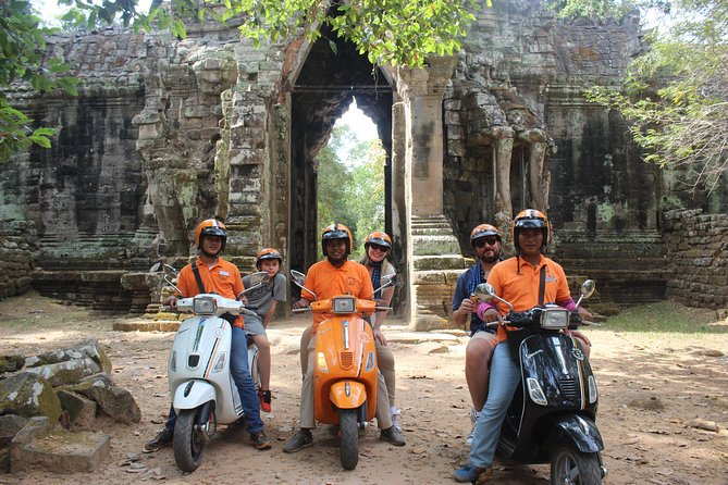 Full-Day Vespa Guided Tour in Angkor