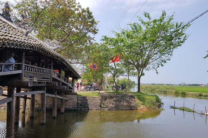 Hue Cycling tour to Thanh Toan village