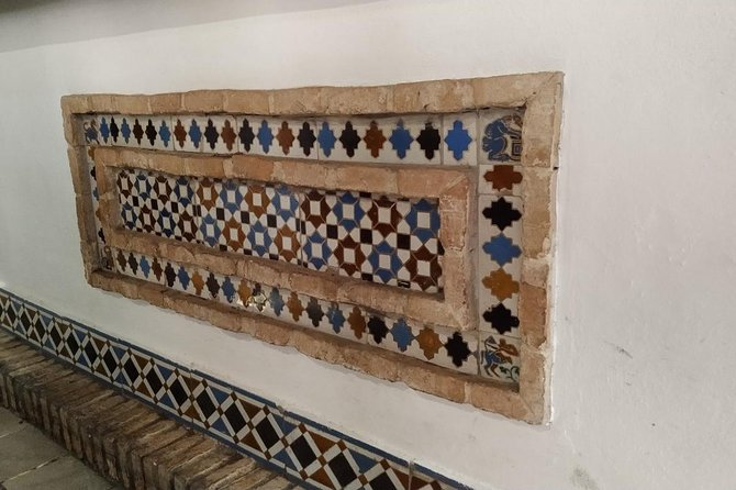 Historical Sights and Tasty Tapas in Seville's Jewish Quarter photo 6