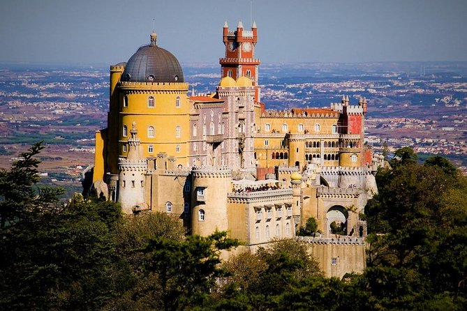 Half Daytrip to Pena Palace & Hell´s Mouth, from Lisbon