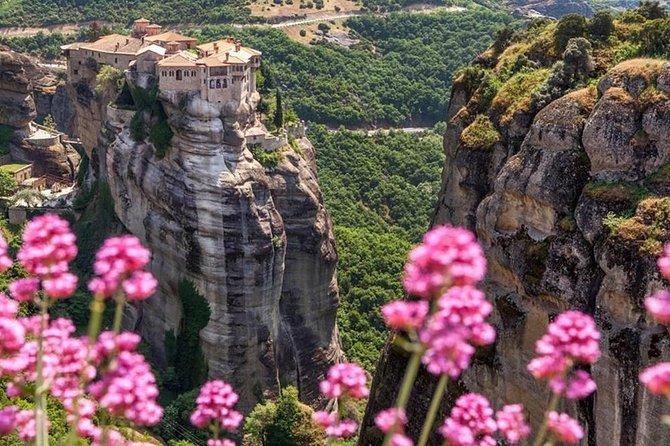 2-Day Significant Sites Private Tour: Delphi, Meteora