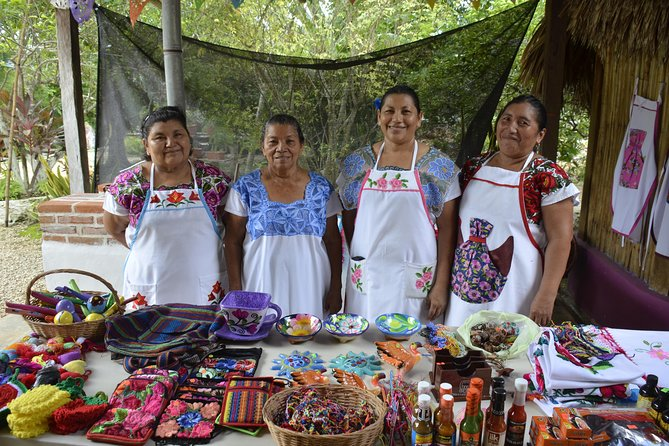 1 Day Guided Tour: Bacalar Seven Color Lagoon & Traditional Mayan Family Visit