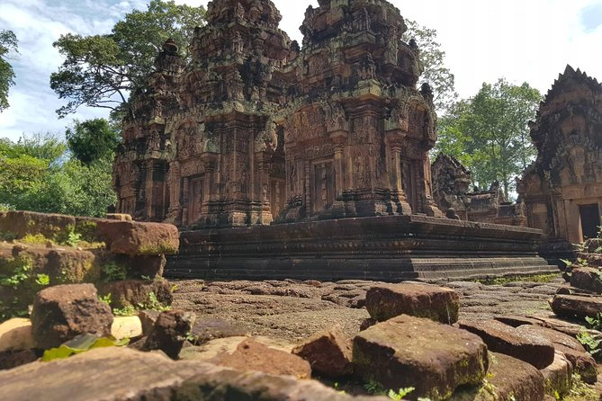 Banteay Srei, Banteay Samre and Sunset at Pre Rup temple 1 Day Visit