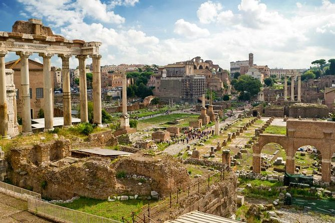 Skip the Line: Roman Forum and Palatine Hill (Guided Tour)