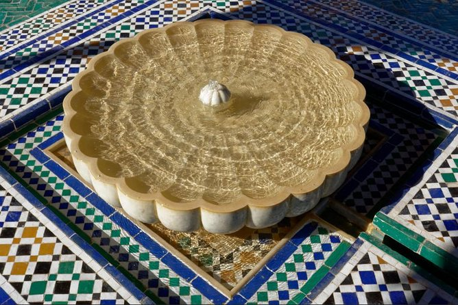 Guided tour: Secret Garden and the great souk of Marrakech.