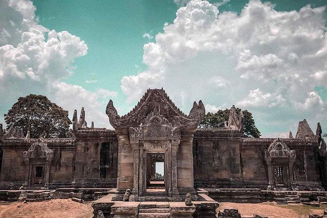 1 Day- Remote temple Koh Ker and Preah Vihea temple
