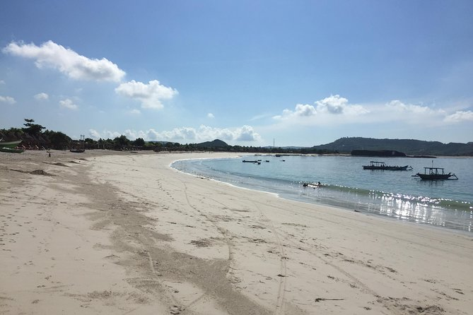 Lombok South Beach and Traditional Village Tour