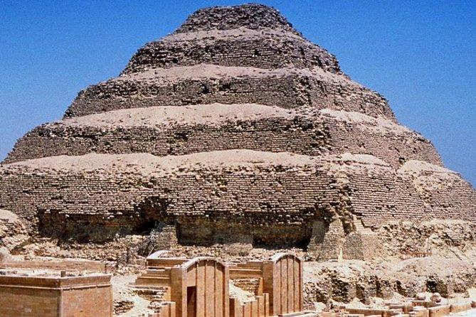 Full-day Amazing Tour of the Pyramids in Egypt