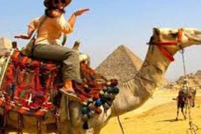 From Cairo: Giza Pyramids, Sphinx, Saqqara, Dahshur & Lunch