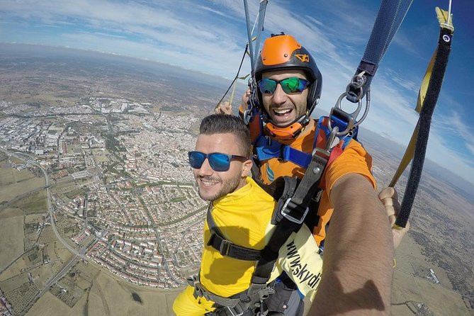 Skydive to Alentejo - Lisbon Pickup - IncrediblePortugal Private Tours