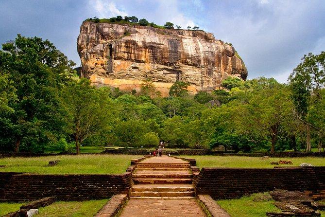 Kandy to Dambulla Cave Temple and Sigiriya - Day Tour