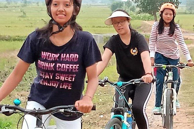 Borobudur villages tour by bikes