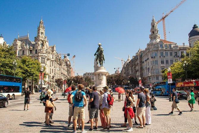 Recorrido por la ciudad de Oporto de día completo con almuerzo y cata de vinos