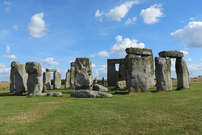 Private Stonehenge Salisbury & Magna Carta Tour 1-7 people
