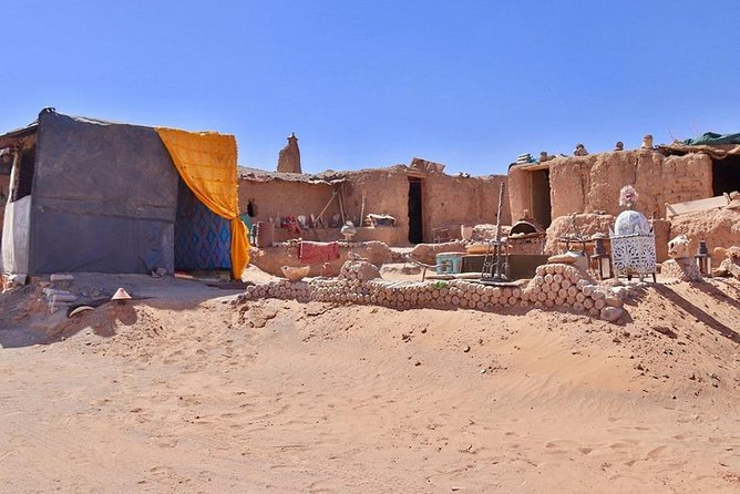 Walk In Merzouga Desert With Local Guide, Lunch With Berber Pizza 5 Hours Total