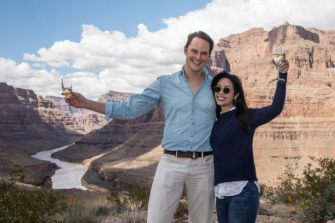 VIP: Grand Canyon Sunset Helicopter Tour with Dinner