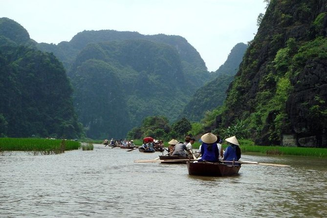 Hoa Lu - Tam Coc - Mua Cave ( 7 People/group)