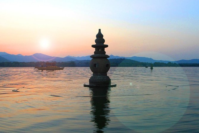 Small group: Hangzhou Full-day Classic Tour with Bullet Train from/to Shanghai