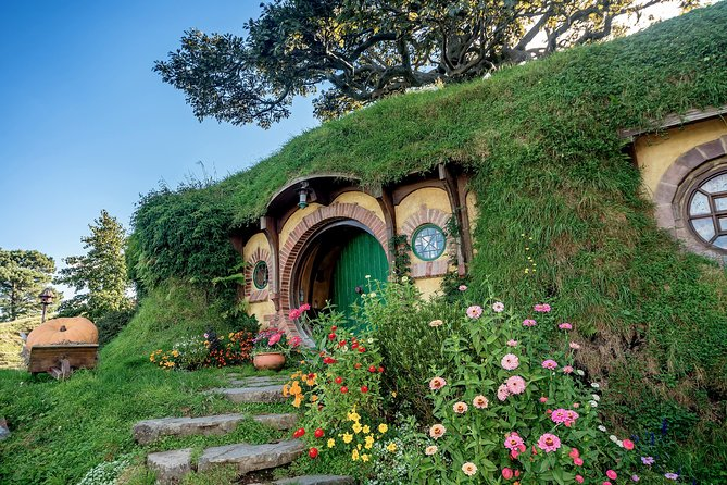 Hobbiton Luxury Day Tour - Olie's Travels