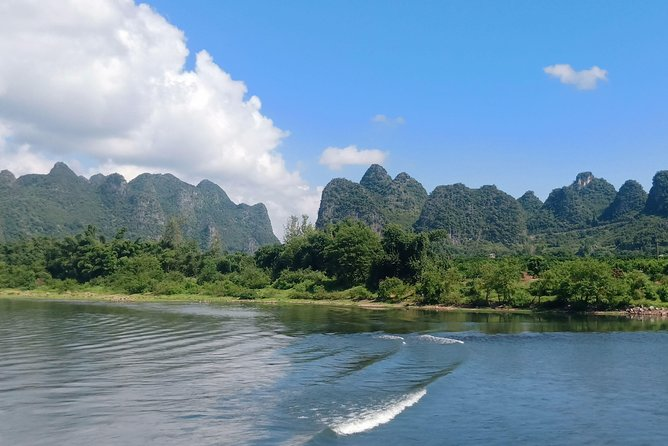 2-Day Guilin Group Tour: Li River Cruise and Longji Rice Terraces Hiking
