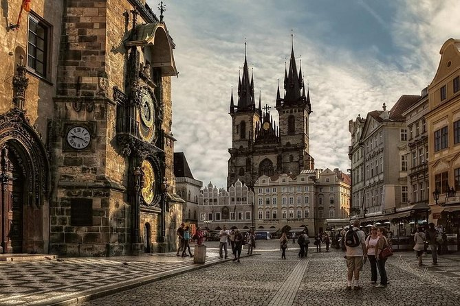 Private 4-hour Walking Tour of Prague with official tour guide