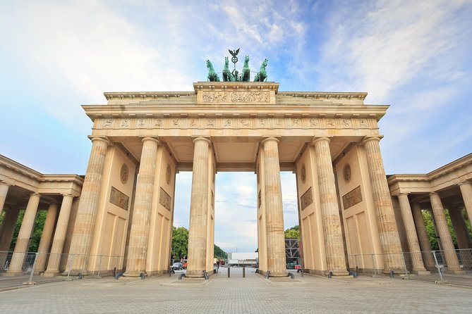 Berlin Highlights by Car: Private 3-hour Tour with a Vehicle