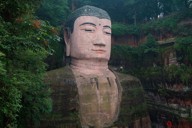 Private car/van/coach service to Leshan Giant Buddha no guide photo 1