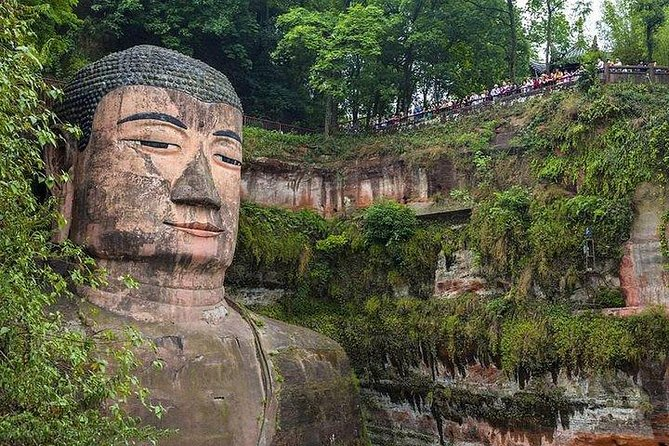 Private car/van/coach service to Leshan Giant Buddha no guide photo 2