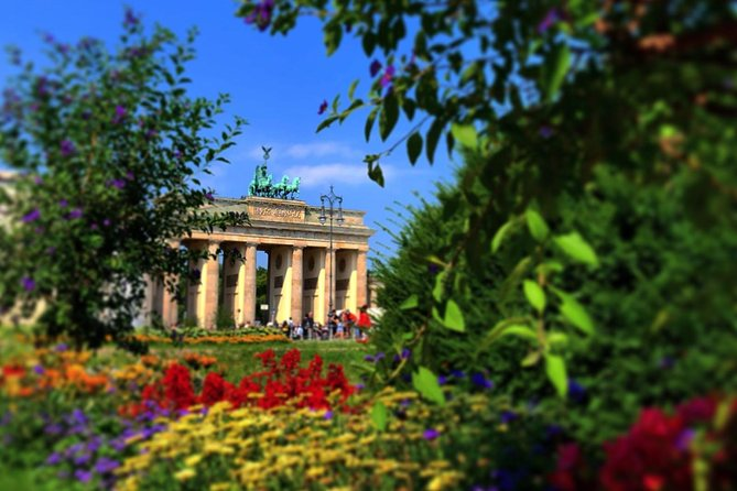 Berlin Highlights on Foot: Private 3-hour Walking Tour