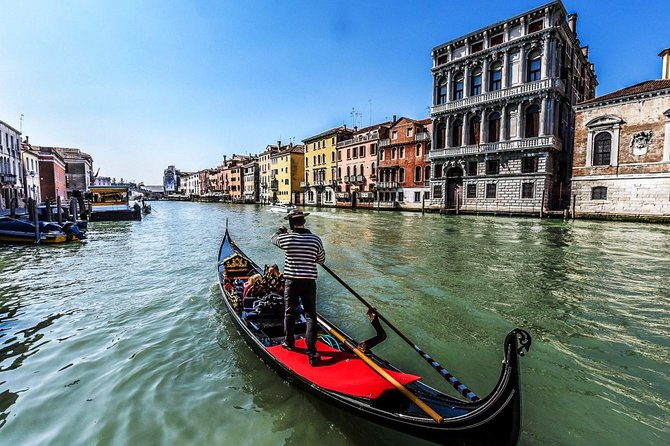 30-min Private Gondola Ride for up to 6 people