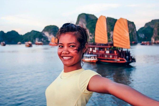 4D3N Hanoi: Cruise on Ha Long Bay, Old Quarter in Hanoi, and Hanoi City Tour