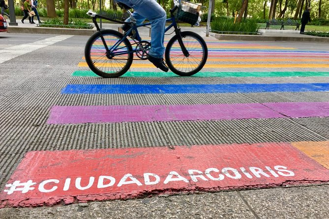 LGBT+ HISTORY & FUN BIKE TOUR in Mexico City photo 7