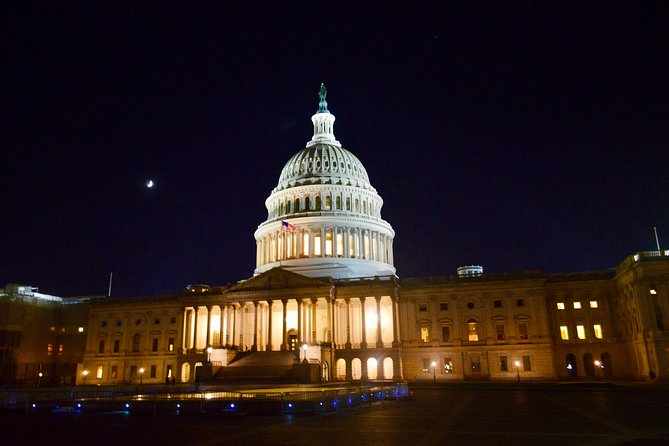 Iconic Small Group Twilight Tour of Washington DC