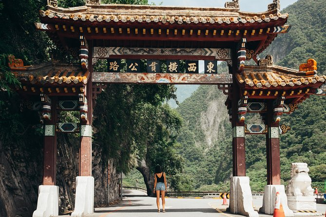 Sightseeing in Taroko National Park(departure with 2 ppl./8hr day tour)