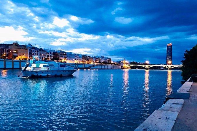 Cruise on an exclusive yacht through the Guadalquivir