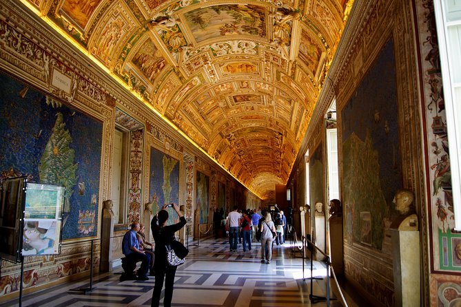 Vatican Wheelchair Private Tour with Skip the Line Tickets