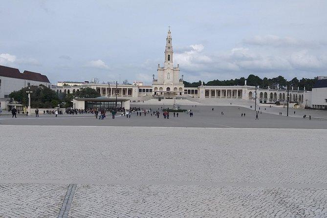 Fatima Day Trip, Alcobaça and Batalha Monastery, Nazareth and Obid
