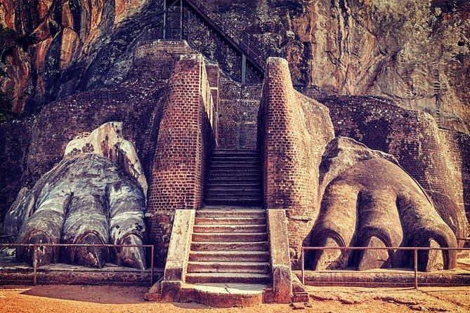 2 Days Tour to Sigiriya & Kandy from Colombo