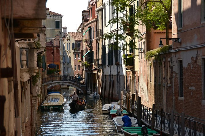 Treasure Hunt and dinner with Wine Tasting in Venice