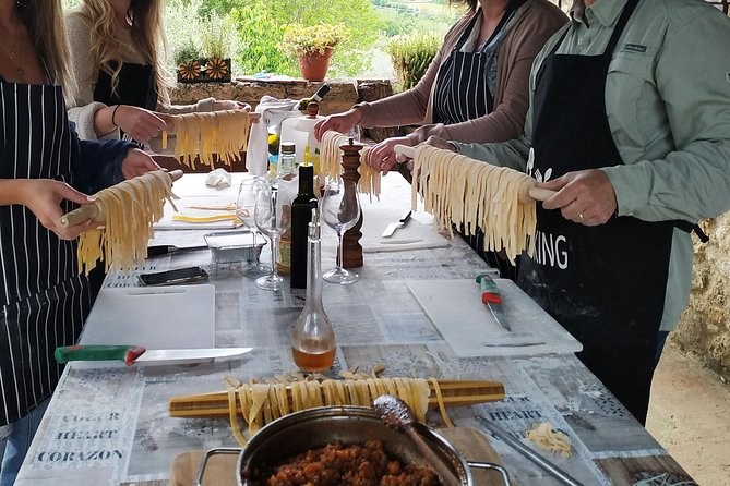 Private Tuscan Cooking Class and Wine Tasting in San Gimignano with Giorgia