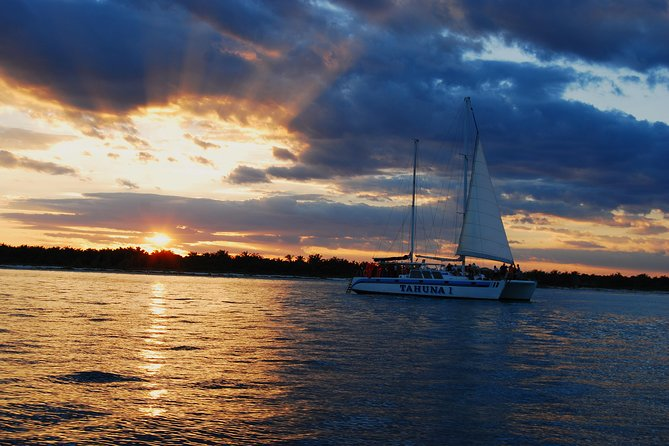Private Romantic Sailing Sunset Experience photo 3